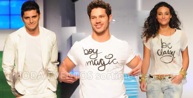 Bruno Gissoni desfilou para Konyk. José Loretoe Débora Nascimentoforam as atrações da MissBella