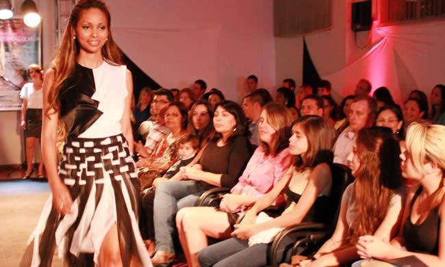 Senac Canoas realiza desfile inspirado nos looks da novela Avenida Brasil