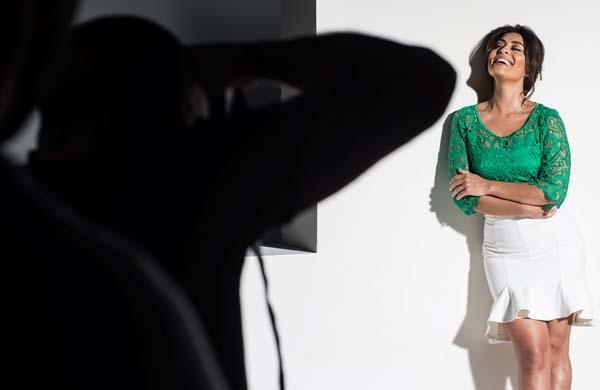 Atriz Juliana Paes é a estrela da coleção Primavera 2014 Verão 2015 do Mega Polo Moda