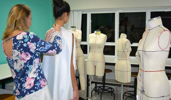 enmoda-criciuma-estudantes-design-senai-moda-eventos-foto-Ana-Sofia-Schuster-600x350-1